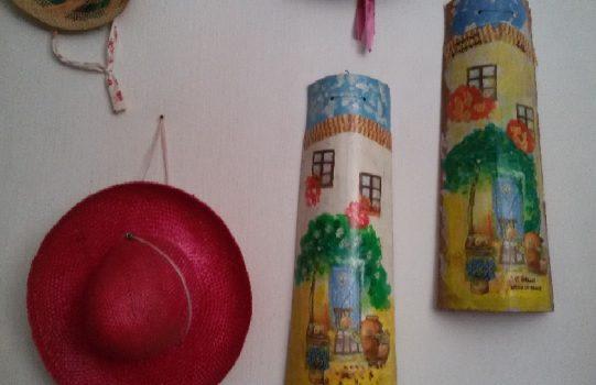 Decoupage su coccio come riutilizzare dei vecchi vasi notizie in vetrina - Decoupage su mobili vecchi ...