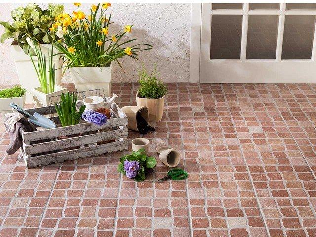 Pavimenti Esterni Patio : Pavimentazioni per esterni arredare e realizzare un patio