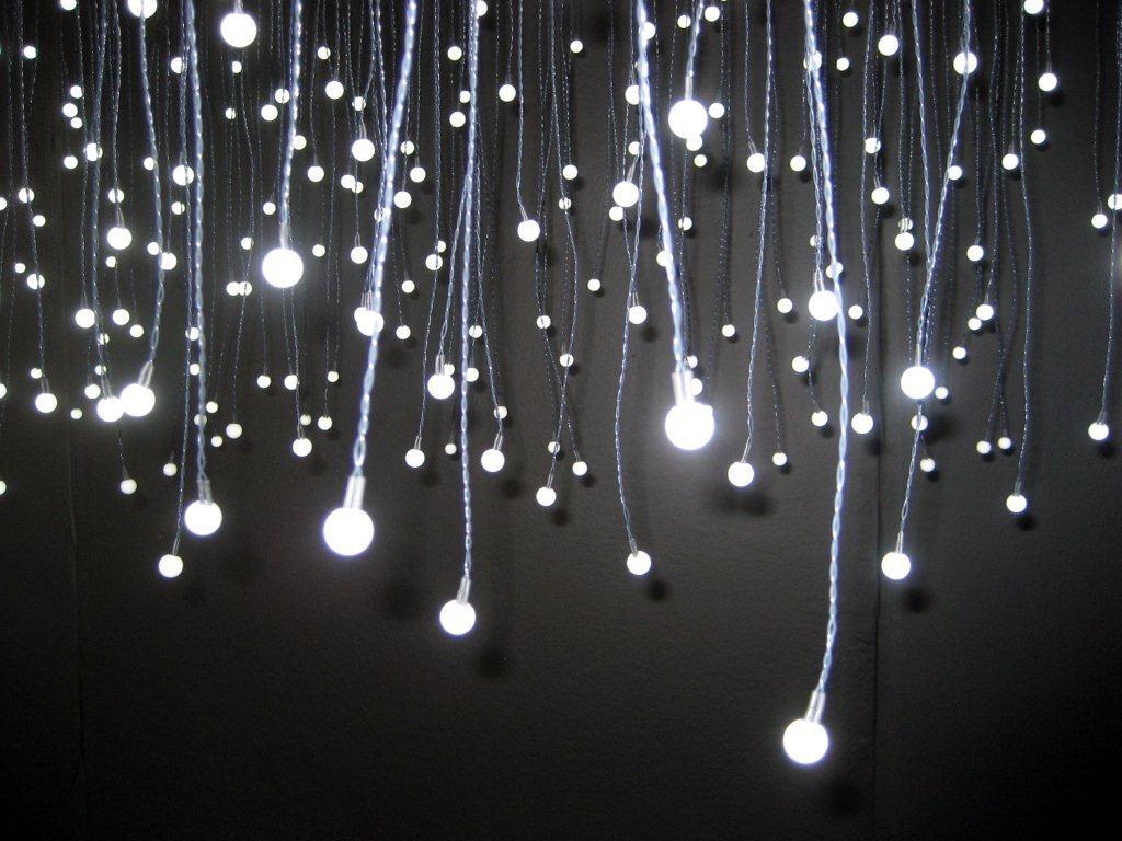 Luci led e proiettori luce per feste e locali notizie in for Luci led prezzi