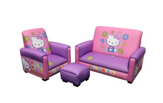 Hello kitty divano e poltrone il salotto baby notizie for Divano ottomano