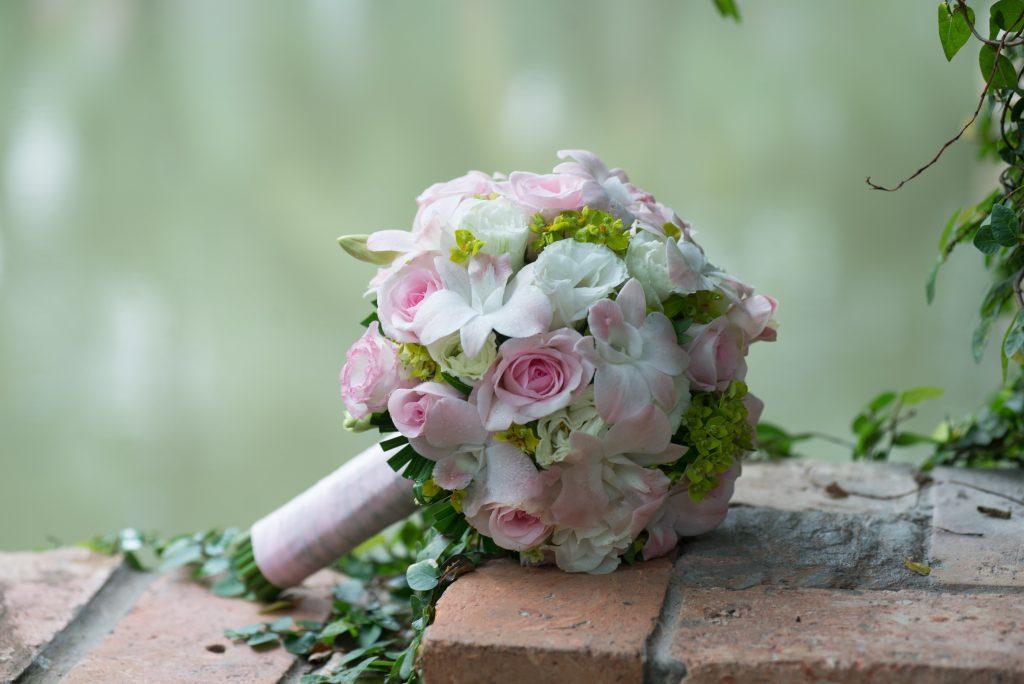 Mazzo Di Fiori Romantico.Bouquet Rose Ecco Tutti I Colori Notizie In Vetrina
