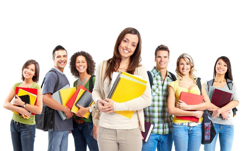 Giovani alle prese con la scelta universitaria