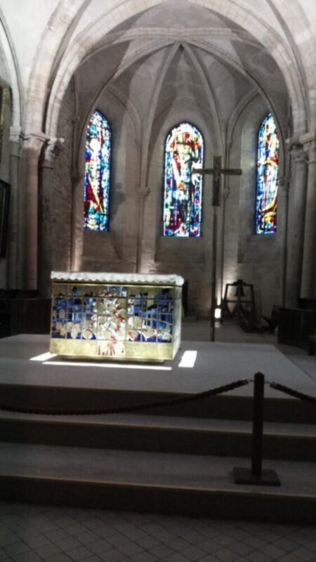 La chiesa di St. Pierre interno