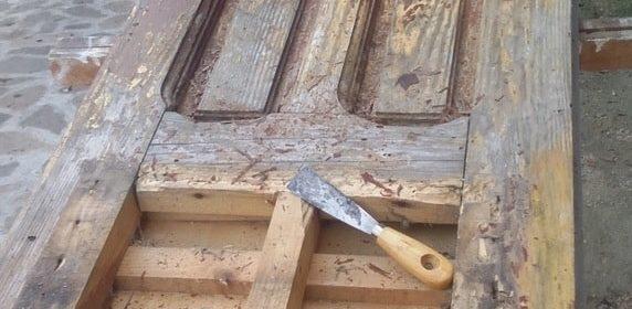 Come ristrutturare un vecchio portone di legno