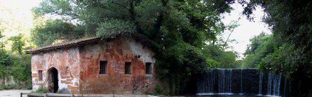 Isola Farnese il borgo medievale ed il mulino ad acqua