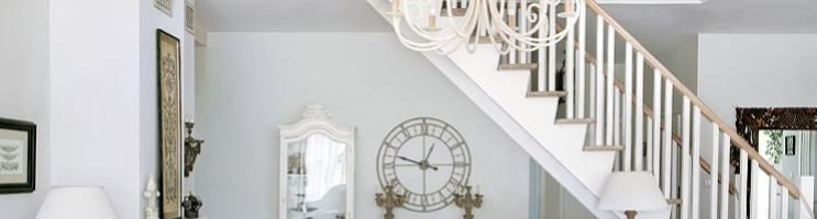 Arredare un soggiorno stile shabby chic: scelte d'arredamento