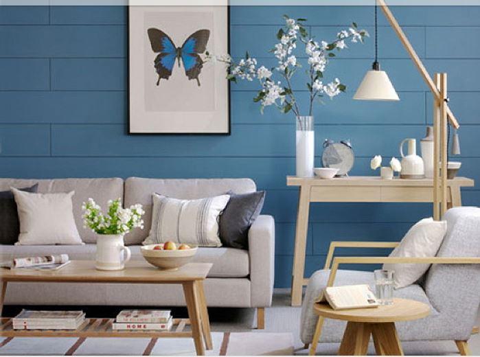 Creare un Soggiorno classico/moderno: azzurro e legno noce