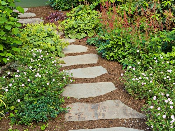 Lastricato in pietra per vialetti da giardino reggio - Viali da giardino ...