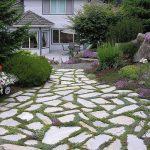 Giardini viali e vialetti: 8 tipologie di materiali per camminamenti