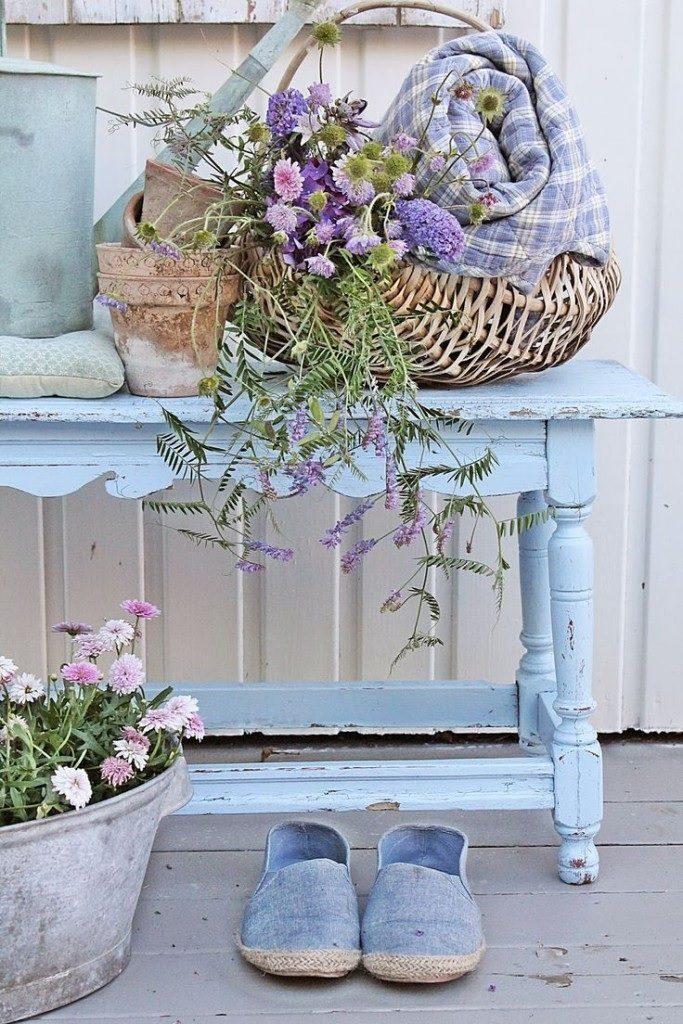 7 ispirazioni shabby chic azzurro e lavanda notizie in. Black Bedroom Furniture Sets. Home Design Ideas