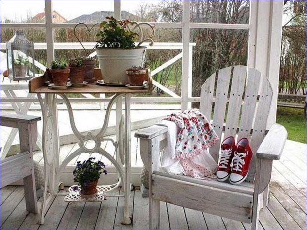 Idee in vetrina shabby chic per arredare una veranda o un - Idee shabby chic per la casa ...