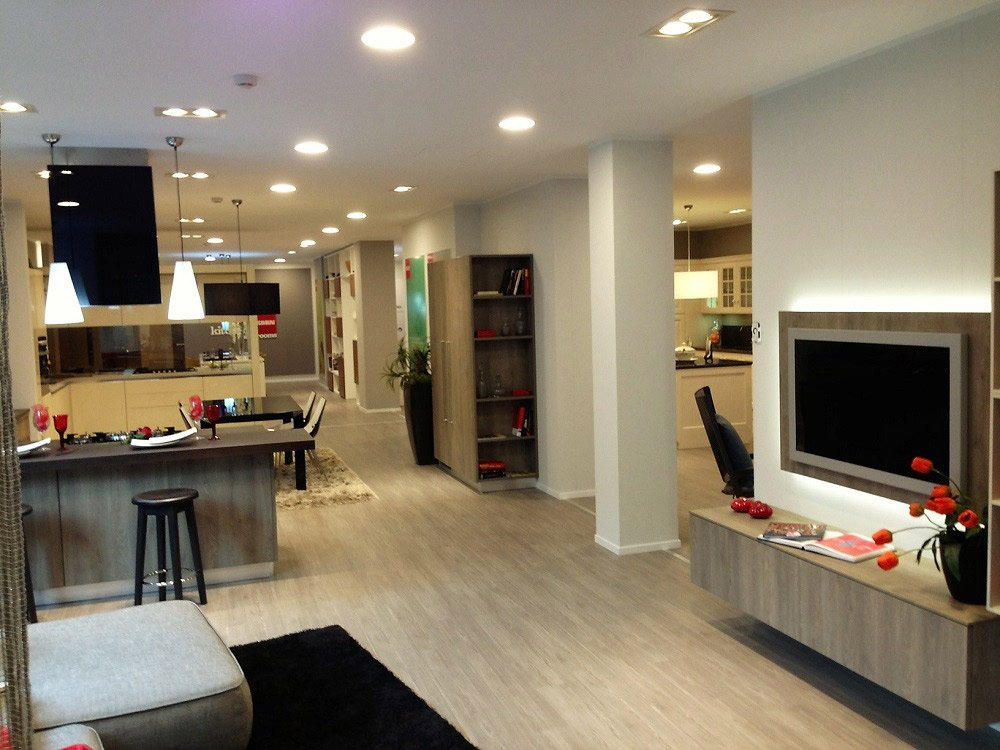 Mobili di qualit interior designer e architetto da for Mobili da esposizione