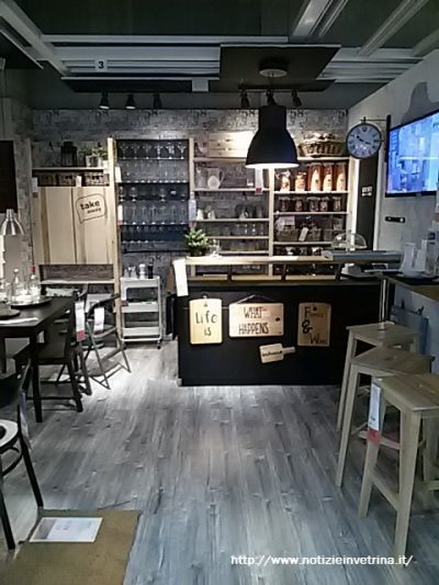 Cucina bar stile industrial chic e shabby chic