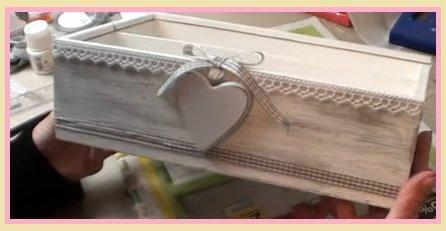 Fare una scatola shabby in legno dipinto for Divano shabby chic fai da te