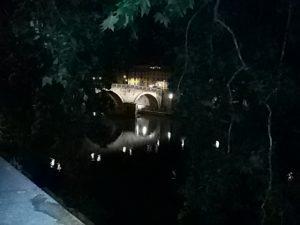 Roma l'estate romana sul Tevere: musica, bancarelle, giochi e food insieme a tanta suggestiva bellezza