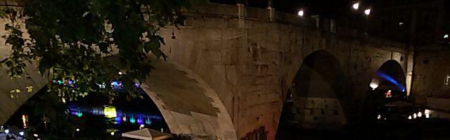 Roma l'estate romana sul Tevere: musica, bancarelle, giochi e food