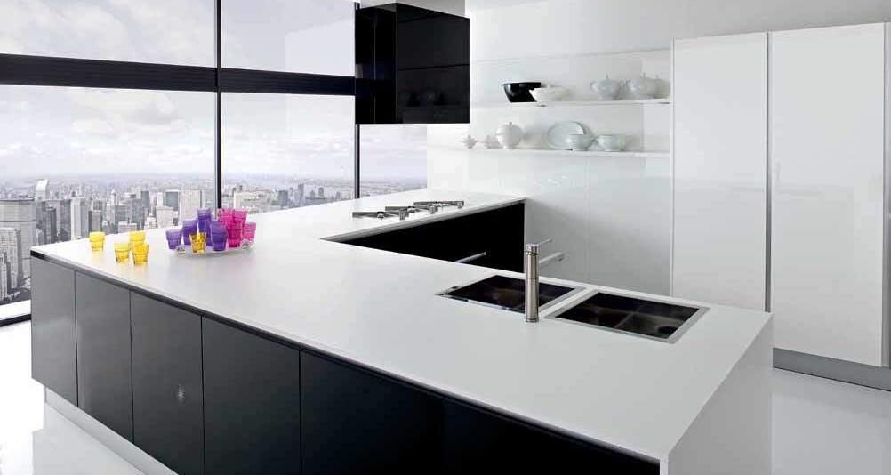 Cucine con isola le soluzioni possibili eleganti e funzionali notizie in vetrina - Soluzioni no piastrelle cucina ...