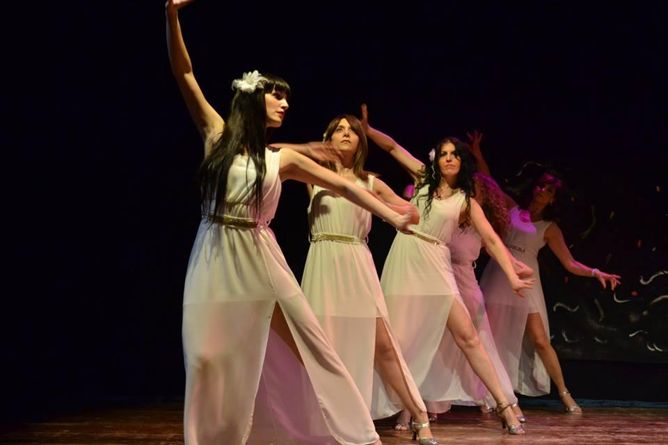 Salsa cubana gestualità, folclore, contaminazioni ed eleganza