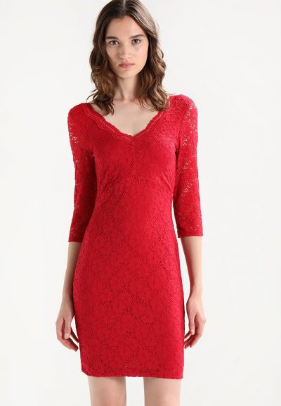 bb46b4581c92 Outfit di Capodanno 3 proposte trendy per una serata speciale ...