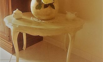 Riciclo e recupero mobili: tavolino shabby chic in 5 passaggi
