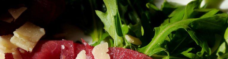 Un secondo piatto light per l'estate: il carpaccio di manzo con i fagiolini