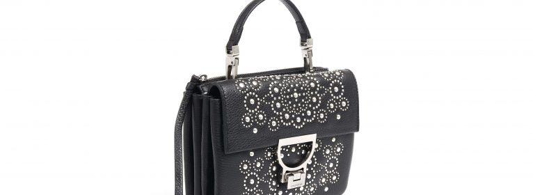 Tendenze moda: ritornano le borchie e la pelle