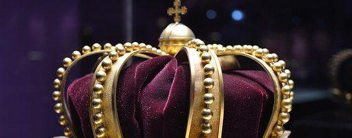 Sognare un re: significato, simboli e numeri da giocare