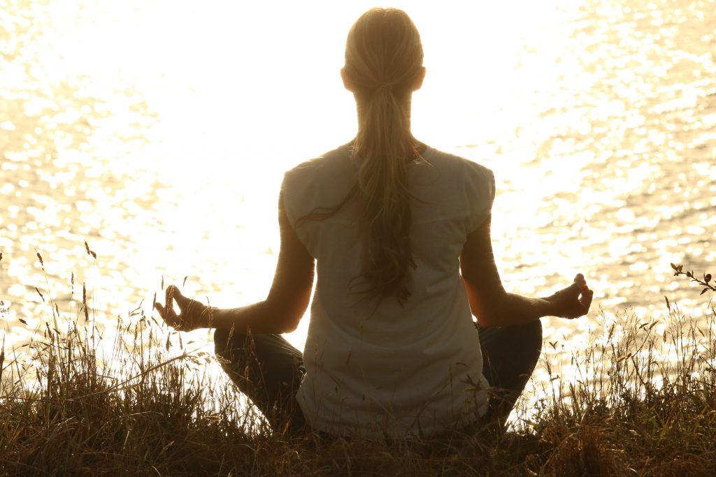 Yoga la storia campi d'applicazione e corsi