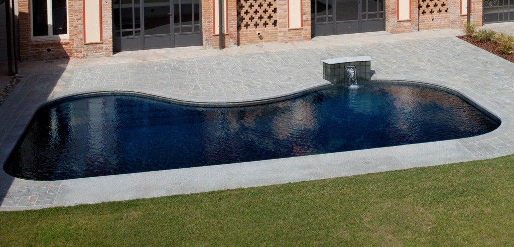 piscina dal design curato