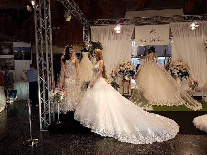 Chi veste la sposa e come scegliere l'abito 5 cose da considerare