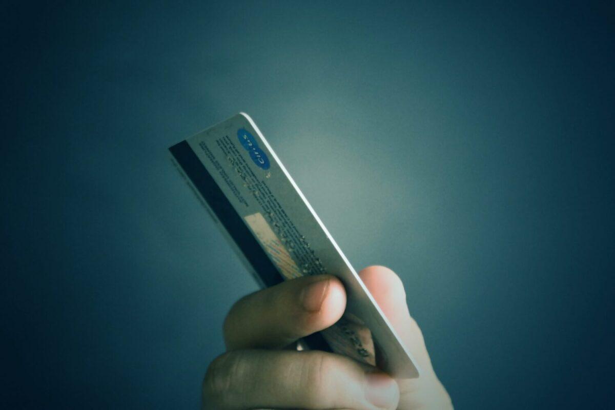 aa84156ab03b Acquisti online e carte di credito come scegliere le migliori ...