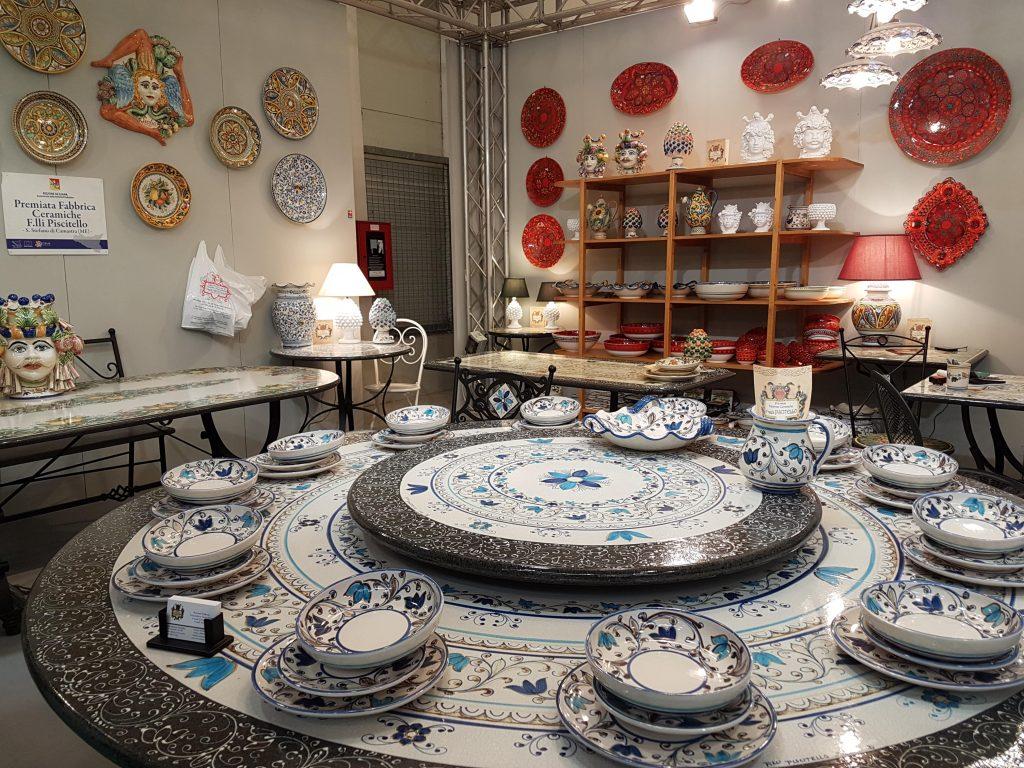 tavoli e ceramiche artistiche dei fratelli Piscitello