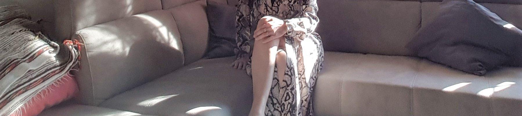 Stampe animalier e long dresses per un look di primavera estate over 40