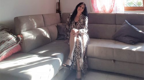 Stampe animalier e long dresses per un look di primavera estate over 40