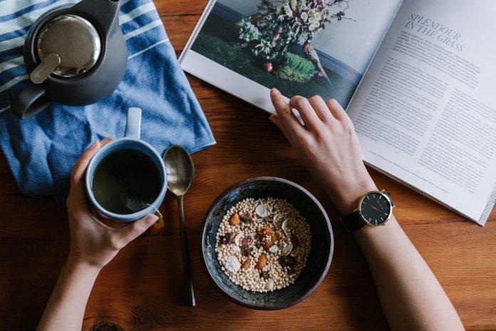 Orologio classico o smartwatch