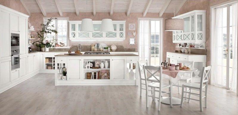 Shabby chic cucina bianca con parete rosa