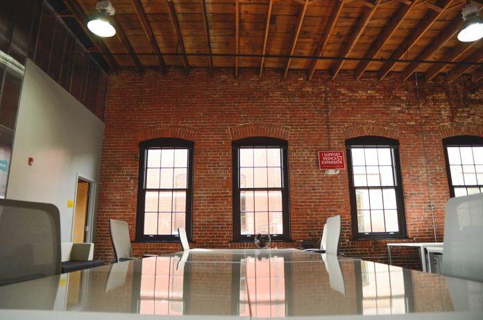 Ufficio open space: come si arreda