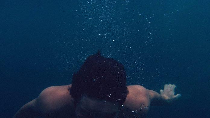 Sognare di soffocare annegare o mancanza d'aria