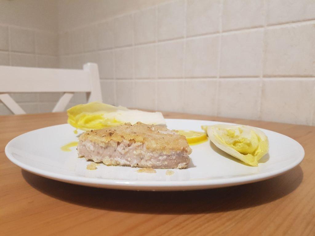 Tonno gratinato: trance in padella con limone