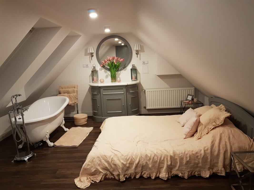 Testiera Letto Legno Shabby shabby chic una camera da letto sui tetti di varsavia