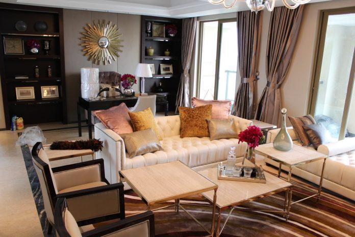 Cuscini arredamento divano per arredare casa o ufficio