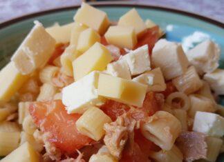 Pasta fredda pomodoro e formaggio