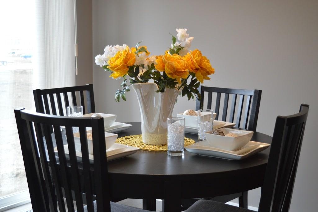 Come considerare l'ingombro di tavolo e sedie: idee e ...