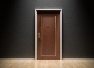 Come pulire le porte di legno o porte bianche