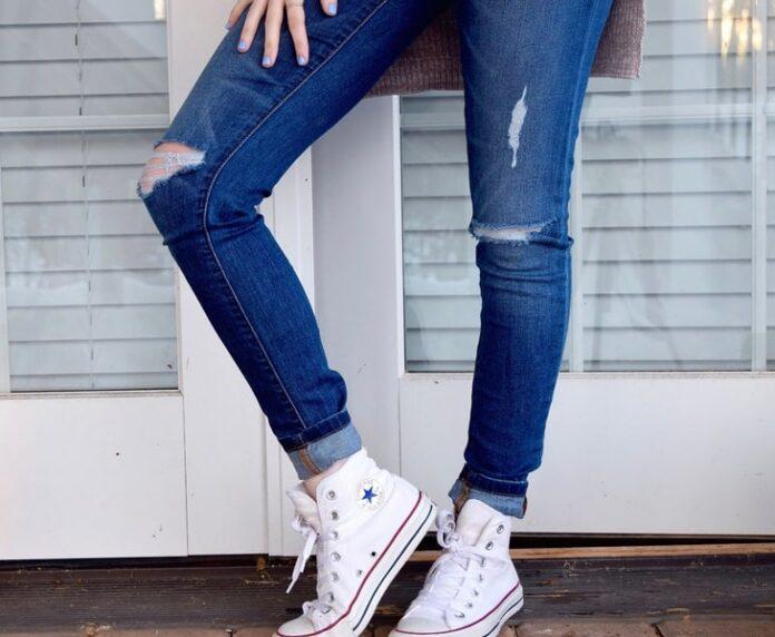 Come fare jeans strappati fai da te guida facile