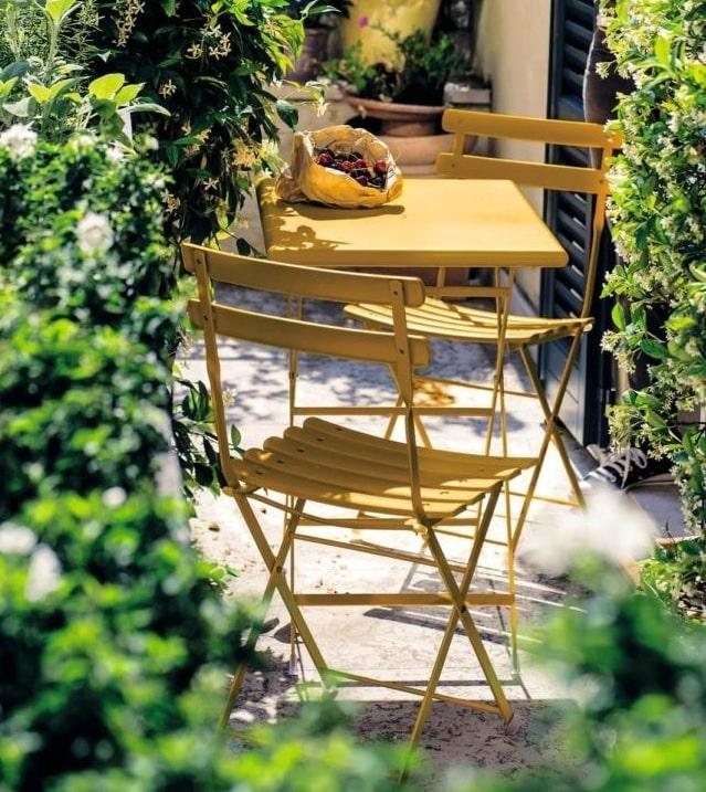 Tavolo e sedie in balcone ingombro ridotto tipologie da scegliere
