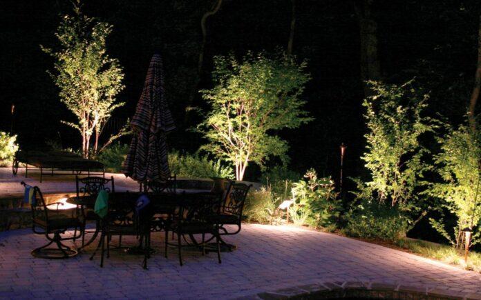 Come illuminare il giardino? Idee e consigli