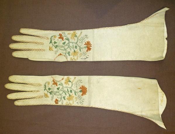Guanti da donna, 1760 1790 al V&A museum