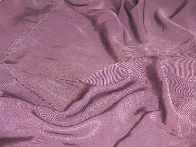 Cupro o Rayon, tessuto leggero e ipoallergenico