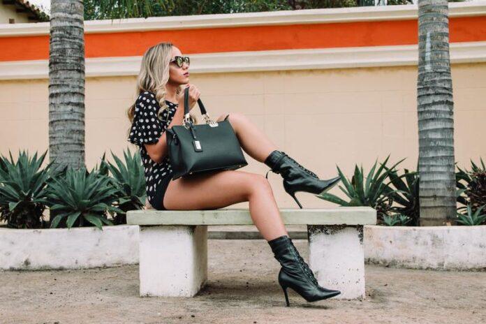 Come indossare i tronchetti o stivali corti